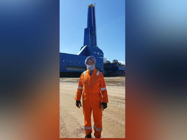 Union Minister Hardeep Singh Puri at Sakhalin-I oilfield in Russia  (Pic Credit: Twitter