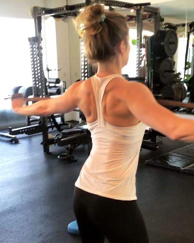 """<p><a href=""""https://www.womenshealthmag.com/uk/gym-wear/a31691972/best-resistance-bands/"""" rel=""""nofollow noopener"""" target=""""_blank"""" data-ylk=""""slk:Resistance bands"""" class=""""link rapid-noclick-resp"""">Resistance bands</a> are one of the most versatile bits of kit out there. From activation exercises to strength training exercises and low impact workouts, those little gems are brilliant. Small enough to fit into your <a href=""""https://www.womenshealthmag.com/uk/gym-wear/g26959174/best-gym-bag/"""" rel=""""nofollow noopener"""" target=""""_blank"""" data-ylk=""""slk:gym bag"""" class=""""link rapid-noclick-resp"""">gym bag</a> or backpack, don't sleep on <a href=""""https://www.womenshealthmag.com/uk/fitness/strength-training/a31986994/resistance-band-exercises/"""" rel=""""nofollow noopener"""" target=""""_blank"""" data-ylk=""""slk:resistance band exercises"""" class=""""link rapid-noclick-resp"""">resistance band exercises</a>: they tone, strengthen and sculpt lean muscle. </p><p>Dust off those stretchy bands, here are 26 <a href=""""https://www.womenshealthmag.com/uk/fitness/strength-training/a31986994/resistance-band-exercises/"""" rel=""""nofollow noopener"""" target=""""_blank"""" data-ylk=""""slk:resistance band exercises"""" class=""""link rapid-noclick-resp"""">resistance band exercises</a> to try today. </p><p><a href=""""https://www.instagram.com/p/BoxD4NmDSLw/"""" rel=""""nofollow noopener"""" target=""""_blank"""" data-ylk=""""slk:See the original post on Instagram"""" class=""""link rapid-noclick-resp"""">See the original post on Instagram</a></p>"""