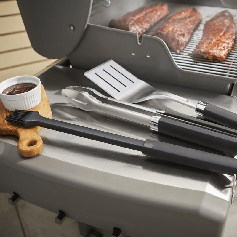 """<h2>Weber Precision 3-Piece Grill Set</h2><br>Order your Weber dishwasher-safe grill accessories by 3 p.m. central time, and they'll ship out the same exact business day. The retailer also offers next-day shipping for those last-minute tight turnarounds. <br><br><em>Shop</em> <strong><em><a href=""""http://weber.com"""" rel=""""nofollow noopener"""" target=""""_blank"""" data-ylk=""""slk:Weber"""" class=""""link rapid-noclick-resp"""">Weber</a></em></strong><br><br><strong>Weber</strong> Precision 3-Piece Grill Set, $, available at <a href=""""https://go.skimresources.com/?id=30283X879131&url=https%3A%2F%2Fwww.weber.com%2FUS%2Fen%2Faccessories%2Faccessories-by-category%2Ftools--et--cookware%2Fprecision-3-piece-set-6772%2F6772.html"""" rel=""""nofollow noopener"""" target=""""_blank"""" data-ylk=""""slk:Weber"""" class=""""link rapid-noclick-resp"""">Weber</a>"""