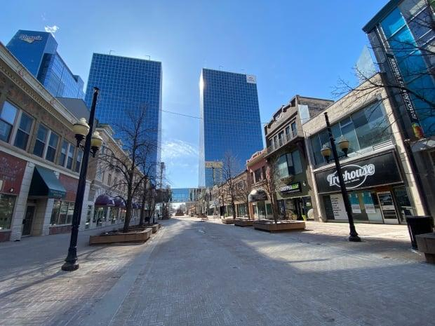Downtown Regina remains mostly empty throughout the week.  (Kirk Fraser/CBC - image credit)
