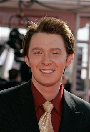 Singer Clay Aiken arrives at the 2005 Primetime Emmy Awards in Los Angeles, California in this September 18, 2005 file photo. REUTERS/Lucy Nicholson/Files