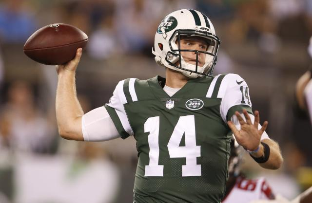 New York Jets quarterback Sam Darnold (14) throws a pass during the first half of a preseason NFL football game against the Atlanta Falcons Friday, Aug. 10, 2018, in East Rutherford, N.J. (AP Photo/Adam Hunger)