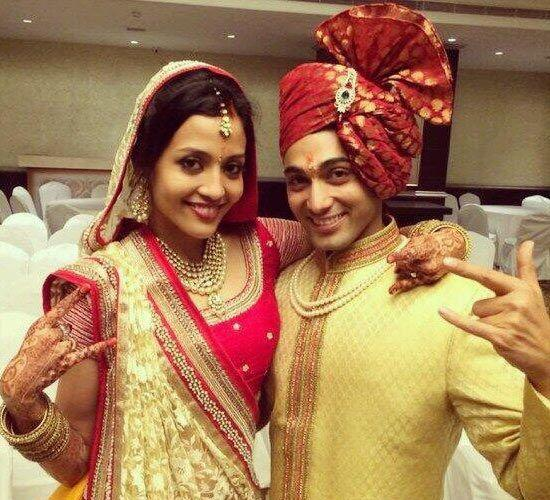 <p>The Kehta Hai Dil Jee Le Zara star, Ruslaan Mumtaz met the love of his life, Nirali Mehta at Shiamak Davar's dance academy. After a long-time relationship, the two first had court marriage on February 14, 2014. After the court marriage, they had a stunning traditional wedding in Gujarati style, on March 2, 2014. </p>