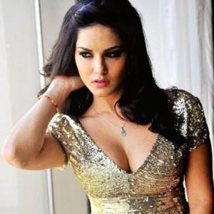 Sunny Leone Gets Rs. 1.5 Crore To Endorse Energy Drink!