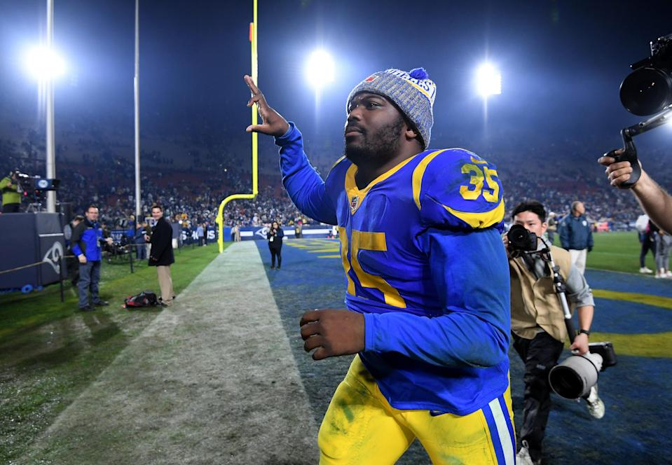 """<a class=""""link rapid-noclick-resp"""" href=""""/nfl/players/26878/"""" data-ylk=""""slk:C.J. Anderson"""">C.J. Anderson</a> was candid about his weight gain but wants to remind you how good he was against the Cowboys. (Getty)"""