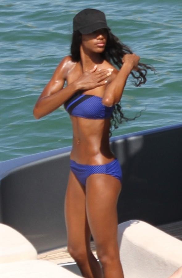 Love boat? Naomi Campbell's 'ex' spotted on yacht with younger lookalike