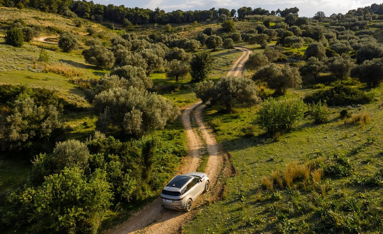 <p>The external dimensions have hardly changed; Land Rover says that most markets liked the first-gen model's compact proportions. For instance, the modest 172.1-inch overall length is only a millimeter longer than before, but the wheelbase expands by 0.8 inch.</p>