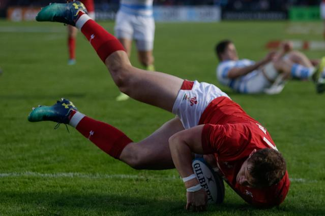 Rugby Union - June Internationals - Argentina v Wales - Brigadier General Estanislao Lopez Stadium, Santa Fe, Argentina - June 16, 2018 - Wales' Hallam Amos scores a try. REUTERS/Diego Lima