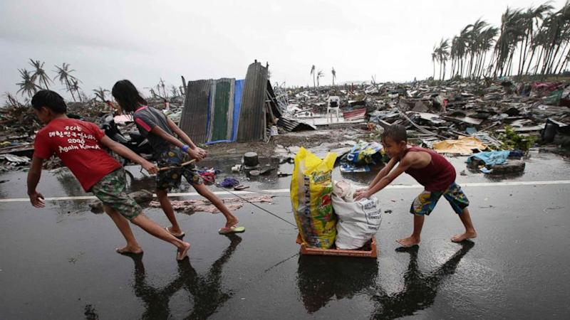 Typhoon Haiyan Aid Efforts Complicated by Storm's Destruction (ABC News)