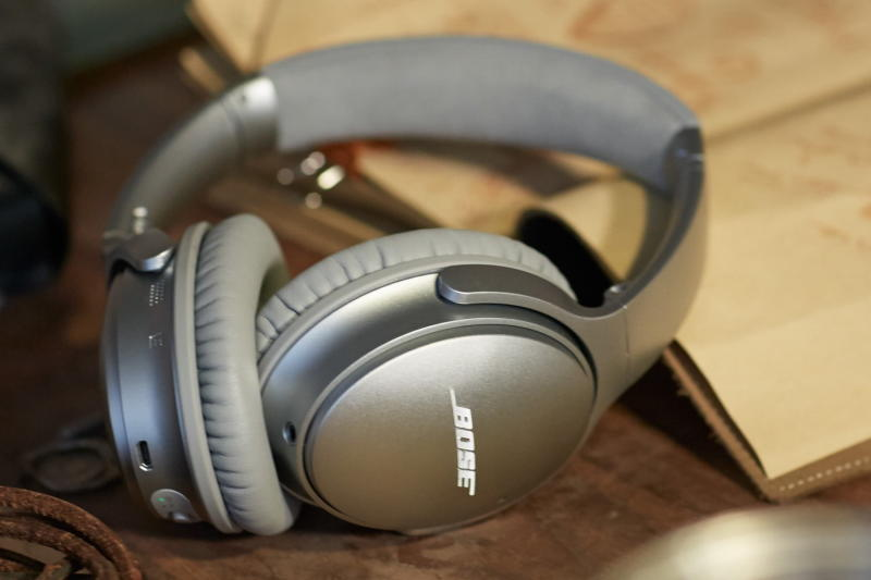 Bose denies firmware fried ANC on QC35 headphones but will allow downgrades