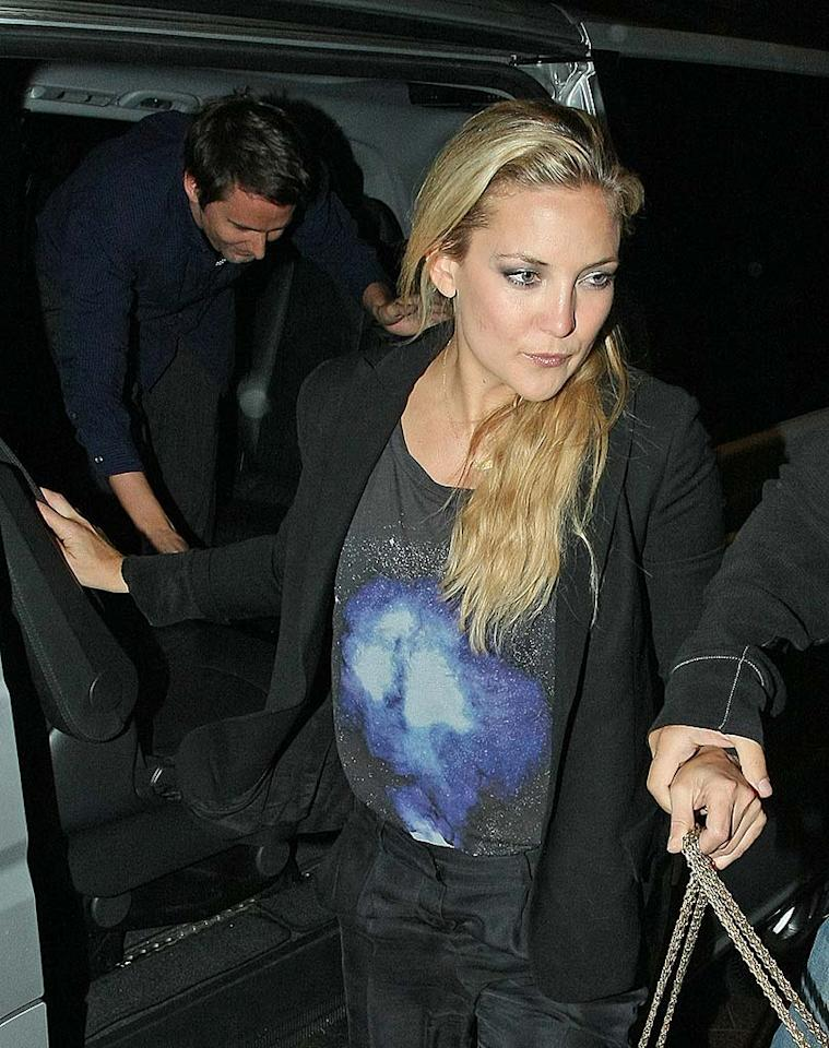 """Almost Famous"" star Kate Hudson and her new beau, Muse front man Matthew Bellamy, dined at The Ivy in London on Tuesday. The actress recently described the musician as ""lovely"" to <i>Elle UK</i>. <a href=""http://www.splashnewsonline.com"" target=""new"">Splash News</a> - August 31, 2010"