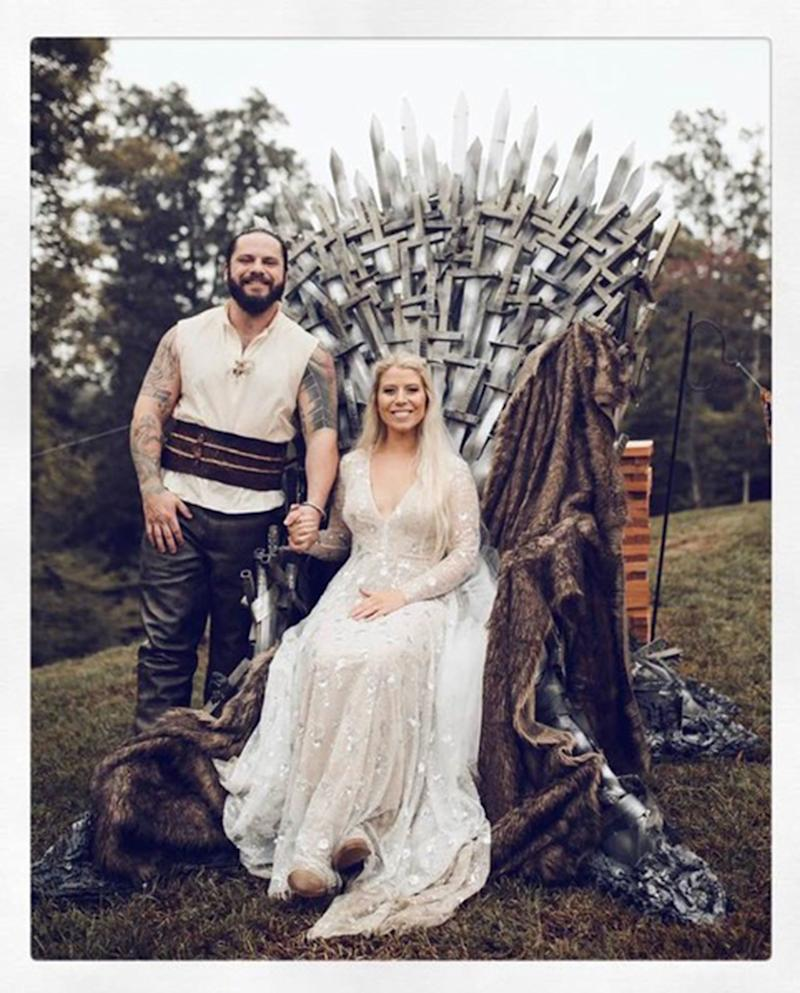 Kentucky Welder Builds Massive 200 Lbs.   Game of Thrones Throne for Wife in Sweet Wedding Present