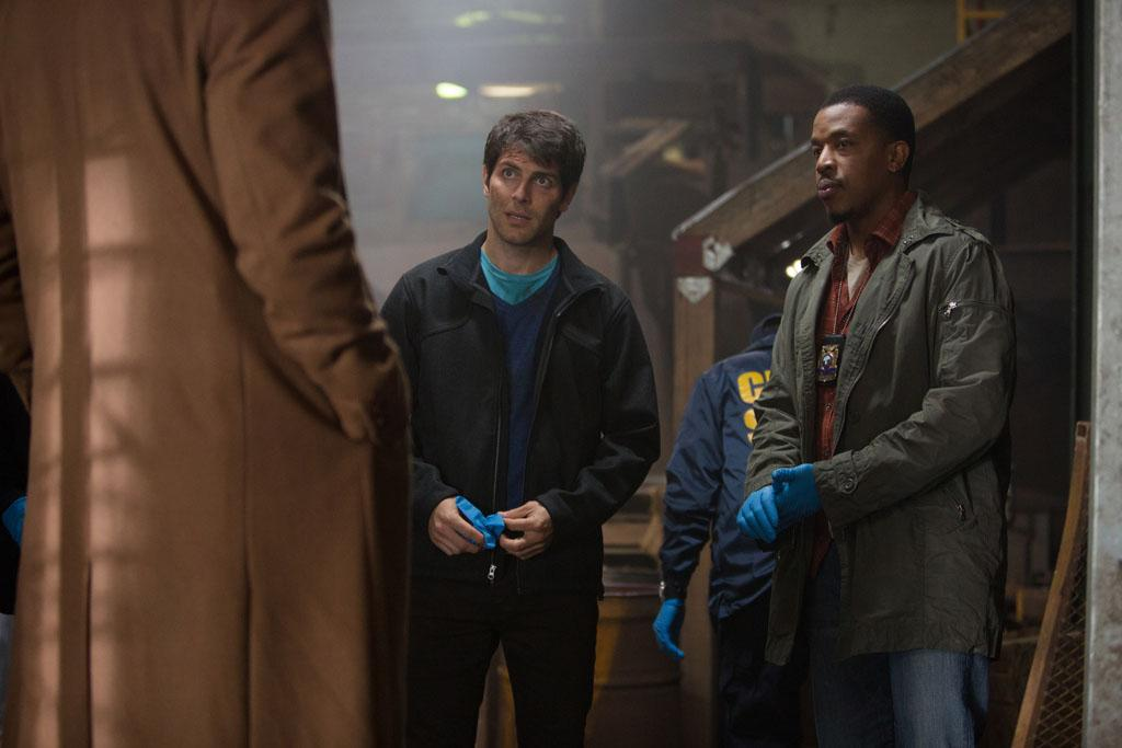 "David Giuntoli as Nick Burkhardt and Russell Hornsby as Hank Griffin in the ""Grimm"" episode, ""The Kiss."""