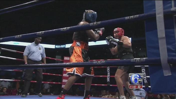 DA Seth Williams steps in boxing ring for good cause