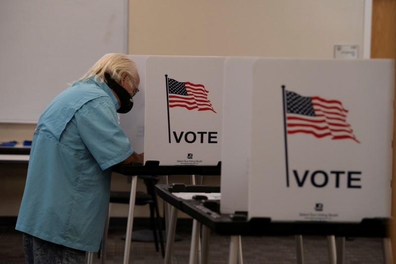Voters cast their ballot in New Mexico primary