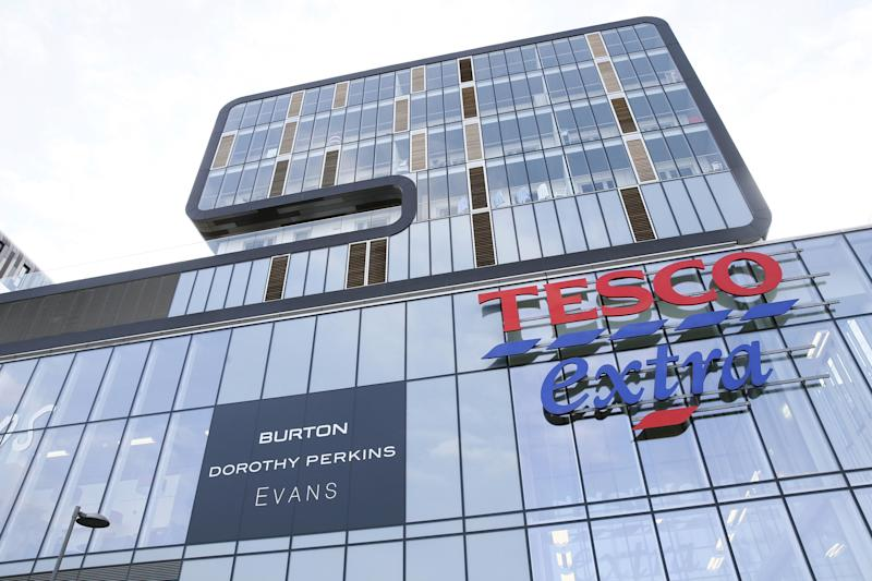 A Tesco Extra store is seen in Woolwich, southeast London, Britain February 26, 2016. As online deliveries surge and shop sales fall, Britain's retailers are looking to refit their once bustling superstores with new attractions such as rivals' fashion brands to fill empty spaces and keep shoppers coming through the door. REUTERS/Stefan Wermuth