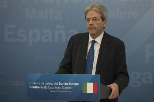 Italy greenlights plan to cut deficit by 3.4 bn euros