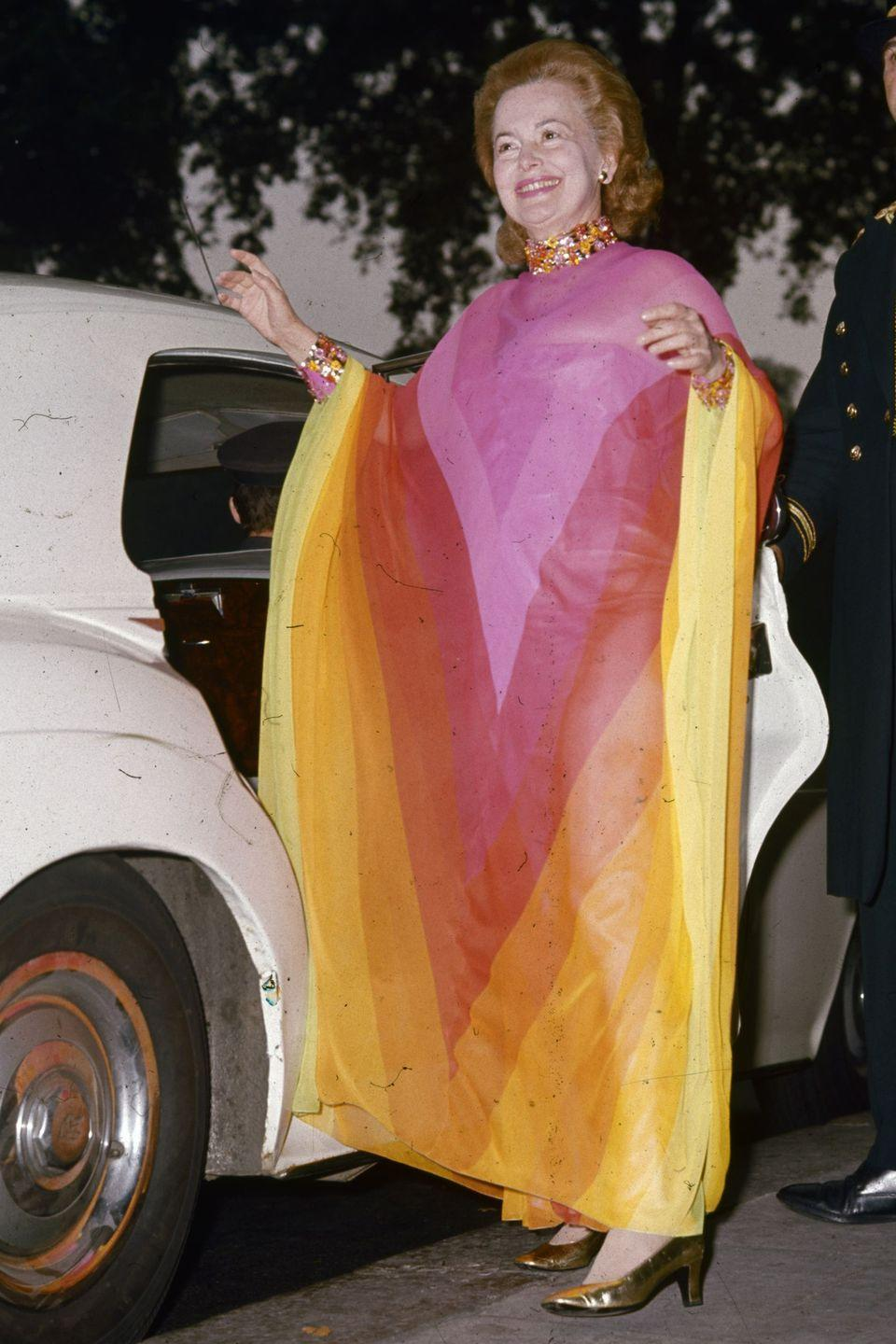 <p>Making a bold cameo outside the Dorchester Hotel in London.</p>
