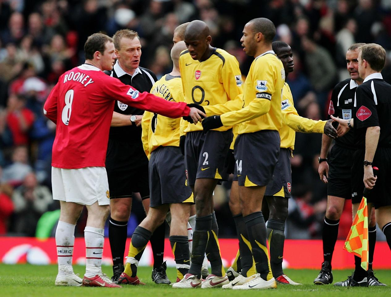 <p>The Red Devils striker showed his composure in abundance for this cracker against rivals Arsenal. Following a long cross into the box, Rooney took a wonderful first touch and slammed the ball home, to give the hosts a 2-0 lead. </p>