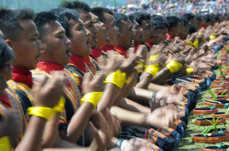 More than 10,000 people turned out in Indonesia's Aceh to stage a record-breaking song and dance performance stressing the need to conserve a threatened national park