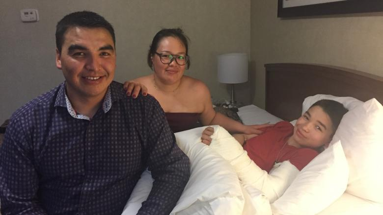 A broken arm at the Canada Summer Games leads to 'heartwarming' support for Rankin Inlet family