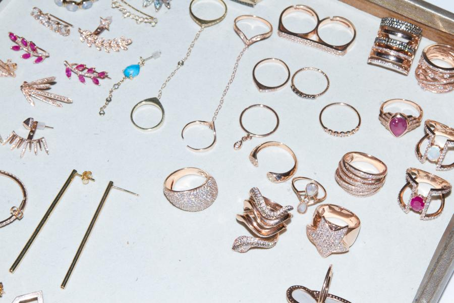 """<p>""""The accessories that Jessy Cain picked out to complement my outfit. Love the dainty details on these.""""</p>"""