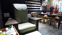 <p>A comfortable seat for customers coming for manicure or pedicure services. </p>