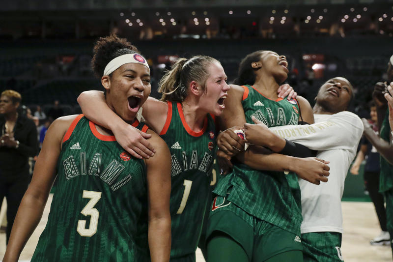 Miami snaps 5-game losing streak, beats Notre Dame 62-47