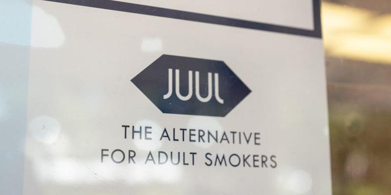Juul smokers sign