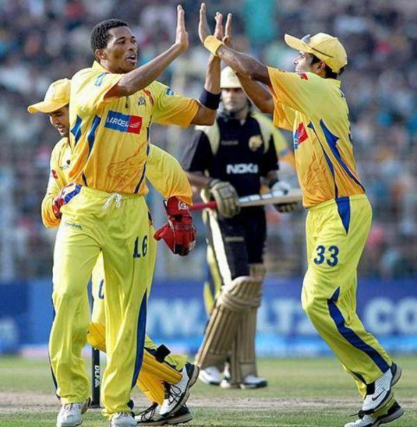 Makhaya Ntini took a hat-trick across two overs against KKR.