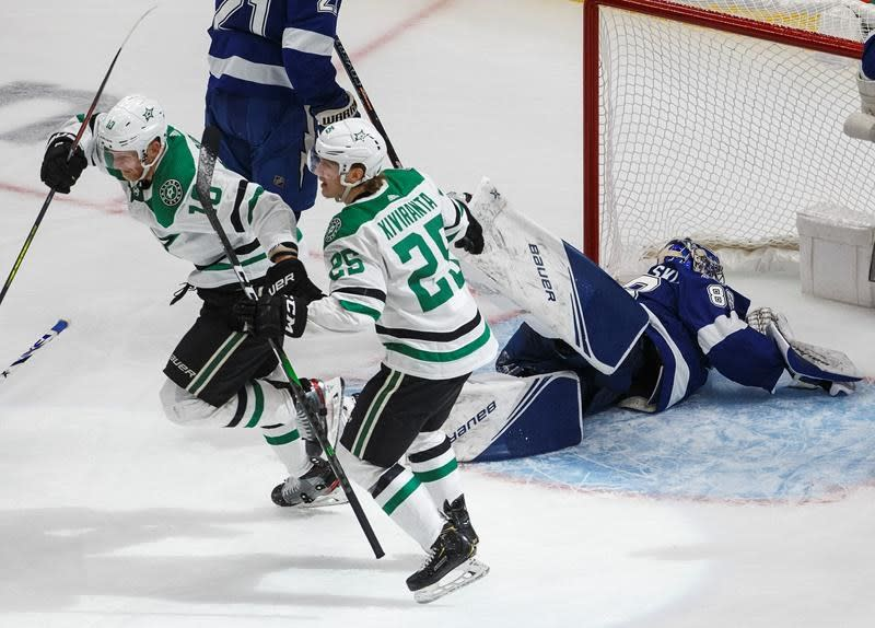 Dallas Stars stay alive in Stanley Cup final, beat Tampa Bay 3-2 in double OT