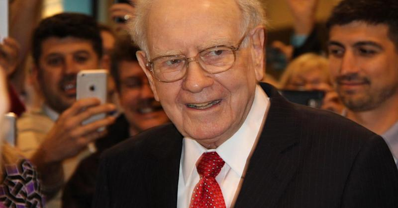 Warren Buffett: I might consider taking money out of banks if they charge for deposits