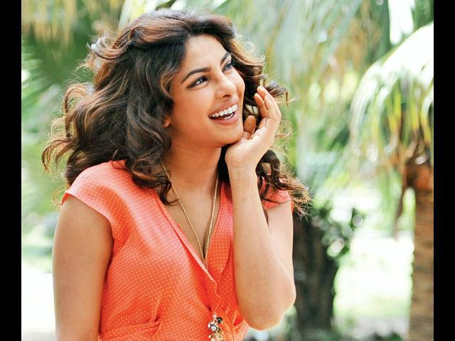 <b>4. Priyanka Chopra</b><br> With her youthful aura that you can also see in her clothes, Priyanka has rocked the trendiest of styles managing to look ethereal each time. We bow down to this diva for being the one actress who always embraces latest trends.