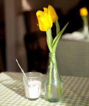 """<div class=""""caption-credit""""> Photo by: Thinkstock</div><div class=""""caption-title"""">Keep Flowers Fresh</div>Just add three teaspoons of sugar and two tablespoons of white vinegar to the water in your vase to keep those flowers uber-fresh. The sugar is good for the stems, while the vinegar can stop the growth of bacteria. <br> <br> <b>RELATED: <a rel=""""nofollow noopener"""" href=""""http://www.shape.com/fitness/workouts/10-minute-belly-blasting-workout"""" target=""""_blank"""" data-ylk=""""slk:The 10-Minute, Belly-Blasting Workout"""" class=""""link rapid-noclick-resp"""">The 10-Minute, Belly-Blasting Workout</a></b> <br>"""