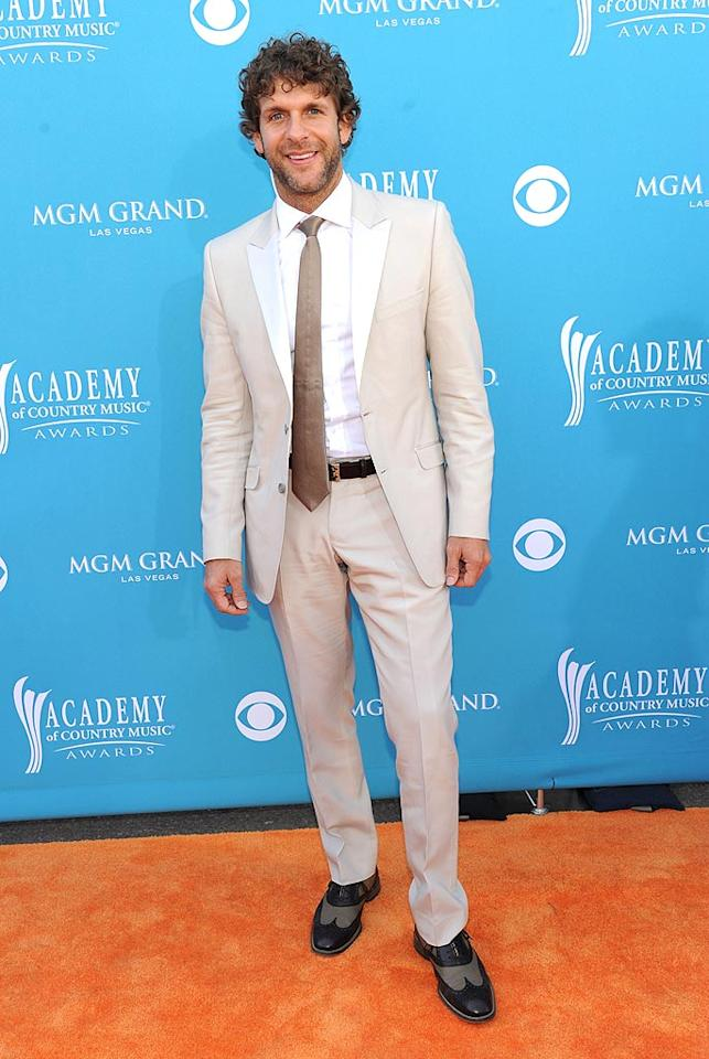 "Billy Currington  Grade: A   The country crooner did more than ""Somethin' Right,"" when he decided against boring black and instead opted for this retro suit and fashion-forward wingtips. Denise Truscello/<a href=""http://www.wireimage.com"" target=""new"">WireImage.com</a> - April 18, 2010"