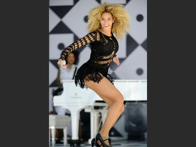 With toned curves like Beyoncé, there's no wonder she is top in the beach body stakes. Even when she's not on the beach, Beyoncé's stage outfits can be just as revealing as a bikini so she keeps in shape with hours of dancing as well as weight training. She embraces her natural curves while maintaining discipline by exercising regularly and only having the occasional treat – there are no short cuts to a body like Beyoncé's so be disciplined.