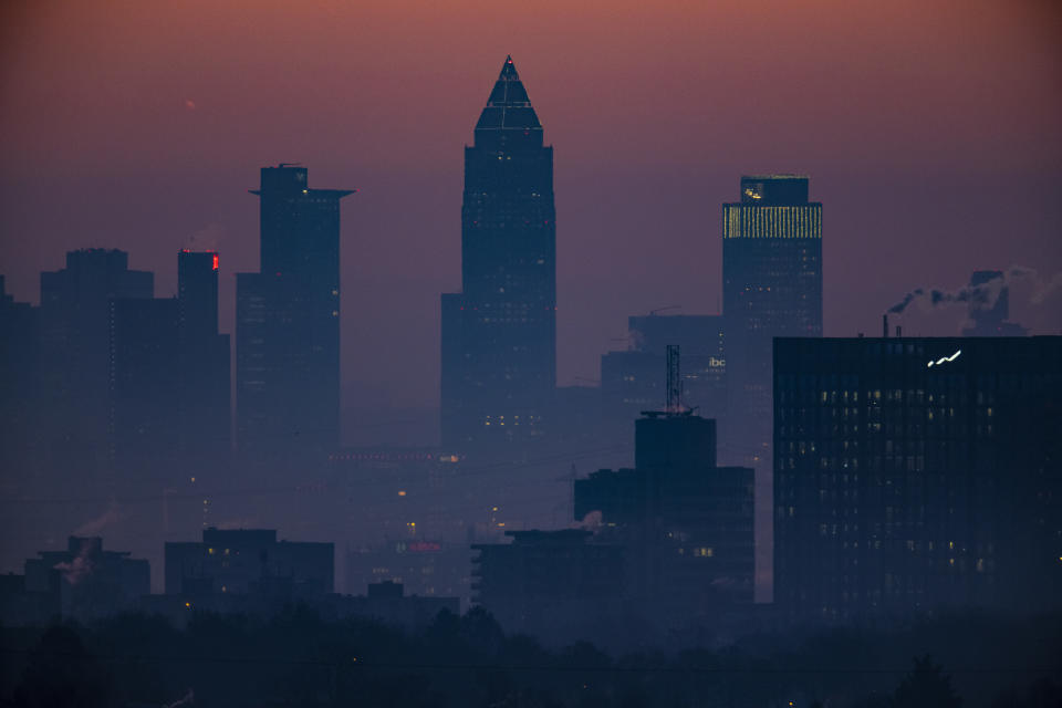 07 February 2020, Hessen, Neuenhain: Fog lies in the morning shortly before sunrise over the banking city of Frankfurt. In the coming days it will remain frosty cold, especially at night. Photo: Boris Roessler/dpa (Photo by Boris Roessler/picture alliance via Getty Images)