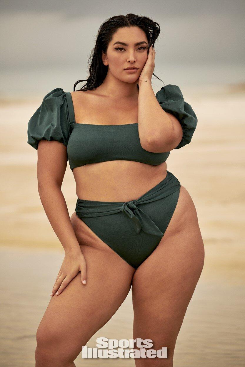 Yumi Nu Becomes First Asian Curve Model For Sports Illustrated Swimsuit Still Pinching Myself
