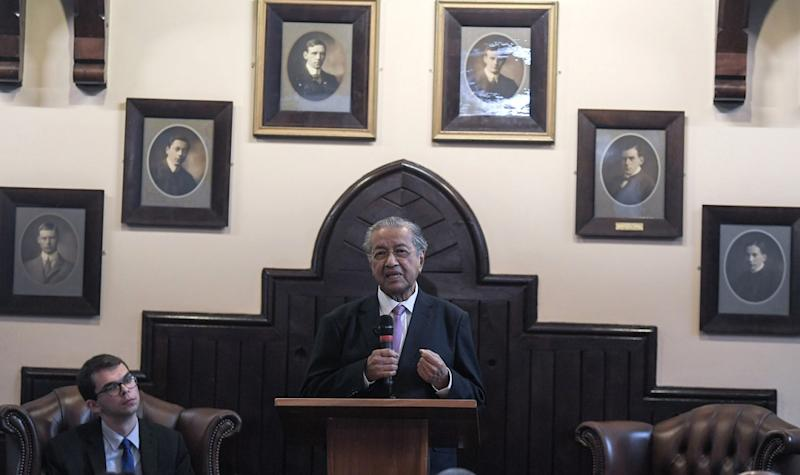Prime Minister Tun Dr Mahathir Mohamad deliver his speech in conjunction with a working visit at The Cambridge Union Society in London June 17, 2019. — Bernama pic