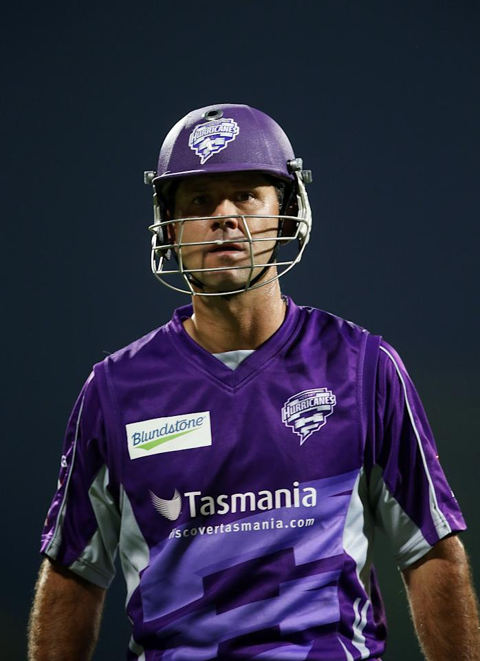 HOBART, AUSTRALIA - JANUARY 05:  Ricky Ponting of the Hurricanes looks on as he leaves the field follwing his dismissal during the Big Bash League match between the Hobart Hurricanes and the Adelaide Strikers at Blundstone Arena on January 5, 2013 in Hobart, Australia.  (Photo by Mark Metcalfe/Getty Images)