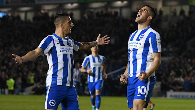 Reading moved up into third place with a 3-1 win over struggling Blackburn Rovers, while Leeds United and Fulham lost out on the road.