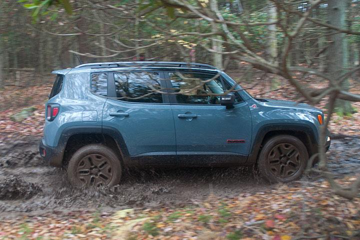 Jeep Renegade Off Road >> The Jeep Renegade Trailhawk Proves Its Off Road Ability Review