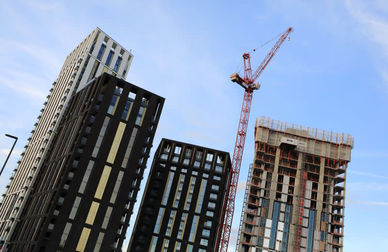 UK housing starts edged up to highest since 2007 last year