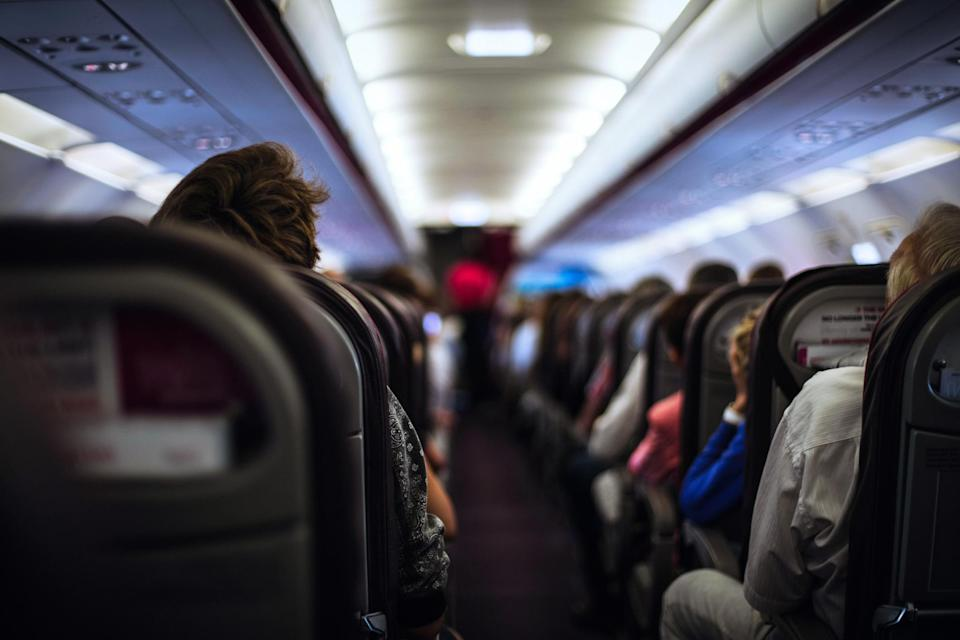 After a week in which three separate flights had to be quarantined due to reported illness, an expert breaks down what you need to know to stay safe. (Photo: Getty Images)
