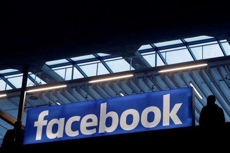 Facebook expands presence in jobs market