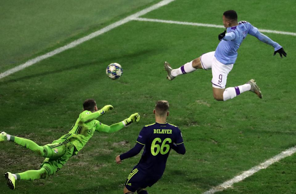 ZAGREB, CROATIA - DECEMBER 11: Gabriel Jesus of Manchester City scores a goal during the UEFA Champions League group C match between Dinamo Zagreb and Manchester City at Maksimir Stadium on December 11, 2019 in Zagreb, Croatia. (Photo by Igor Soban/Pixsell/MB Media/Getty Images)