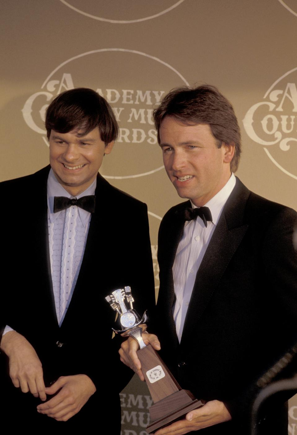 John Ritter with his brother Tom Ritter at the 20th Annual Academy of Country Music Awards. (Photo: Ron Galella/Ron Galella Collection via Getty Images)