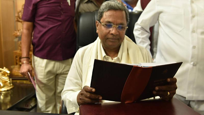 Karnataka Assembly Elections: Lingayat seers meet CM Siddaramaiah, ask for religious status