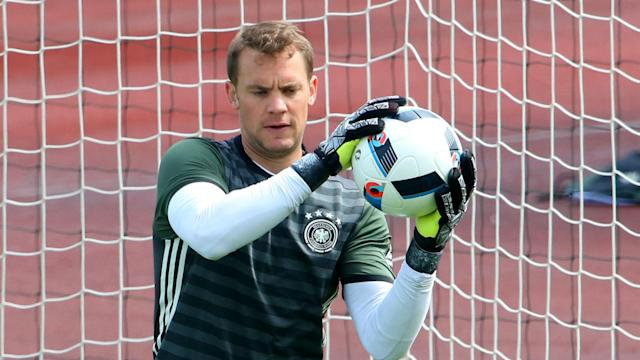 Germany great Oliver Kahn has suggested Joachim Low should not select Bayern Munich goalkeeper Manuel Neuer at the World Cup.