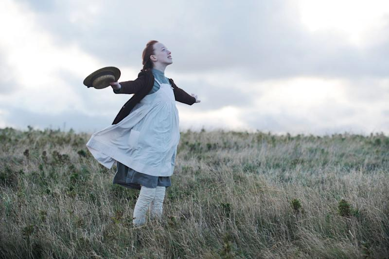 ANNE WITH AN E, (aka ANNE), Amybeth McNulty, 'Youth is the Season of Hope', (Season 2, ep. 201, aired July 6, 2018). photo: Chris Reardon / Netflix / Courtesy: Everett Collection